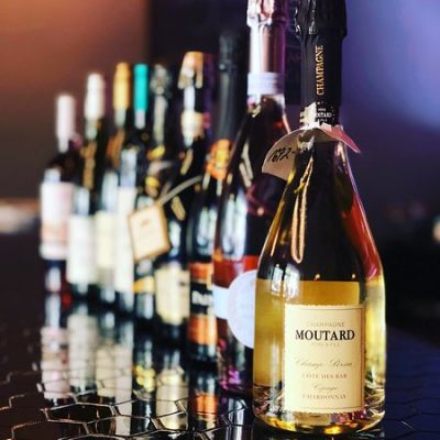 Vinia Wine & Kitchen